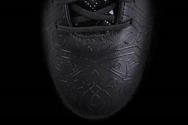 Closeup of 11Pro Knight Pack