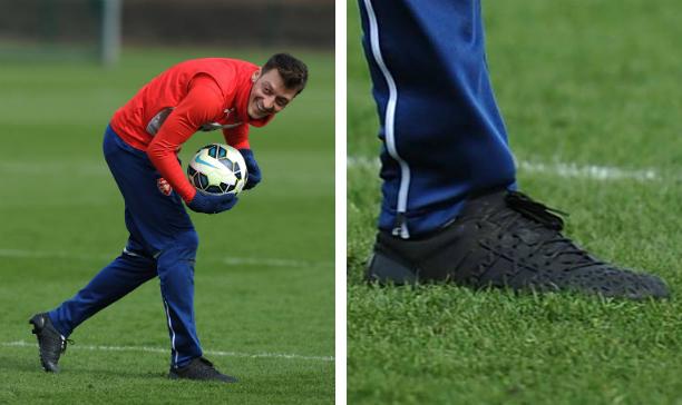 Mesut Ozil Arsenal blackout adidas edited