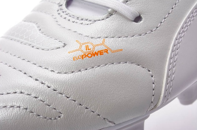 Whiteout Puma leather evoPower