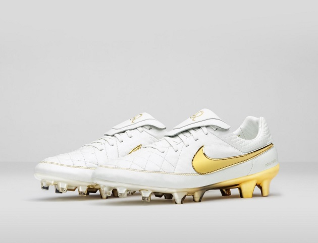 Nike Tiempo Legend - Ronaldinho Touch of Gold