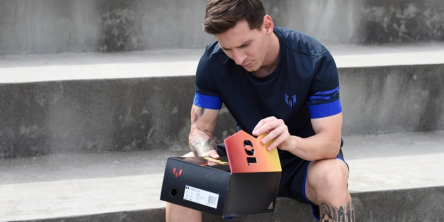 Messi opens 10/10 boots
