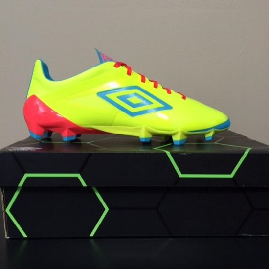 Unboxing of Umbro Velocita