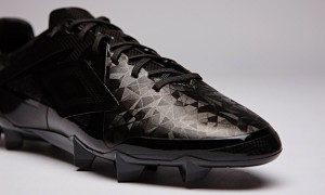 Umbro Goes Dark with Velocita Tri-Mess