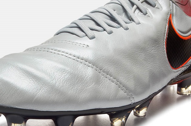 Closeup of Tiempo Legend VI leather