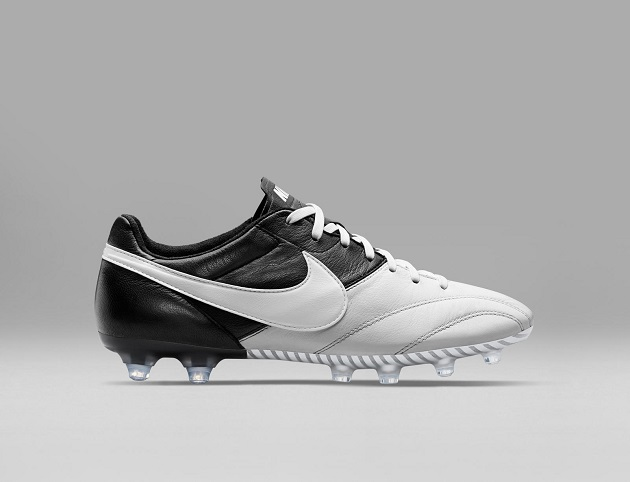 HO15_FB_TIEMPO_LEGEND_PREMIER_SE_BLACK_WHITE_WHITE_A_PREM_native_1600