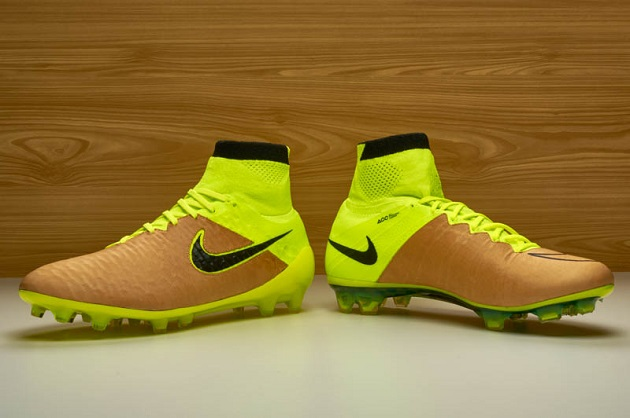 Nike Tech Craft Pack in Volt and Canvas