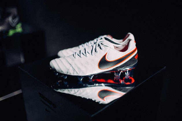 Nike Tiempo VI Liquid Chrome