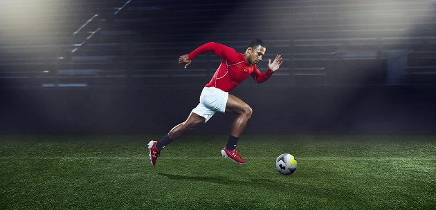 Memphis Depay in red Speedform