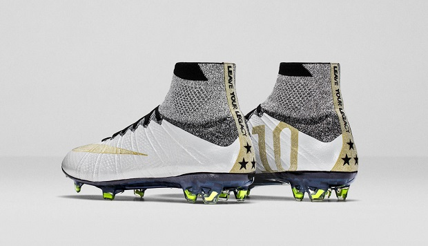 Carli Lloyd Mercurial Superfly