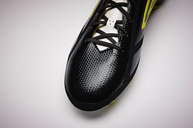 Upper of Umbro Velocita 2.0