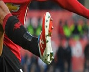 marouane-fellaini-man-u-new-balance-visaro-2