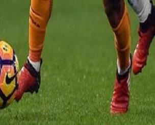 mohamed-salah-as-roma-adidas-x-purechaos-2