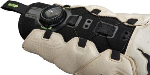 Puma evoDisc Goalkeeper Gloves – Green Gecko/Puma White