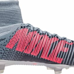 buy online e5120 6a5df Nike Grey And Pink Superfly Cleats - Musée des ...