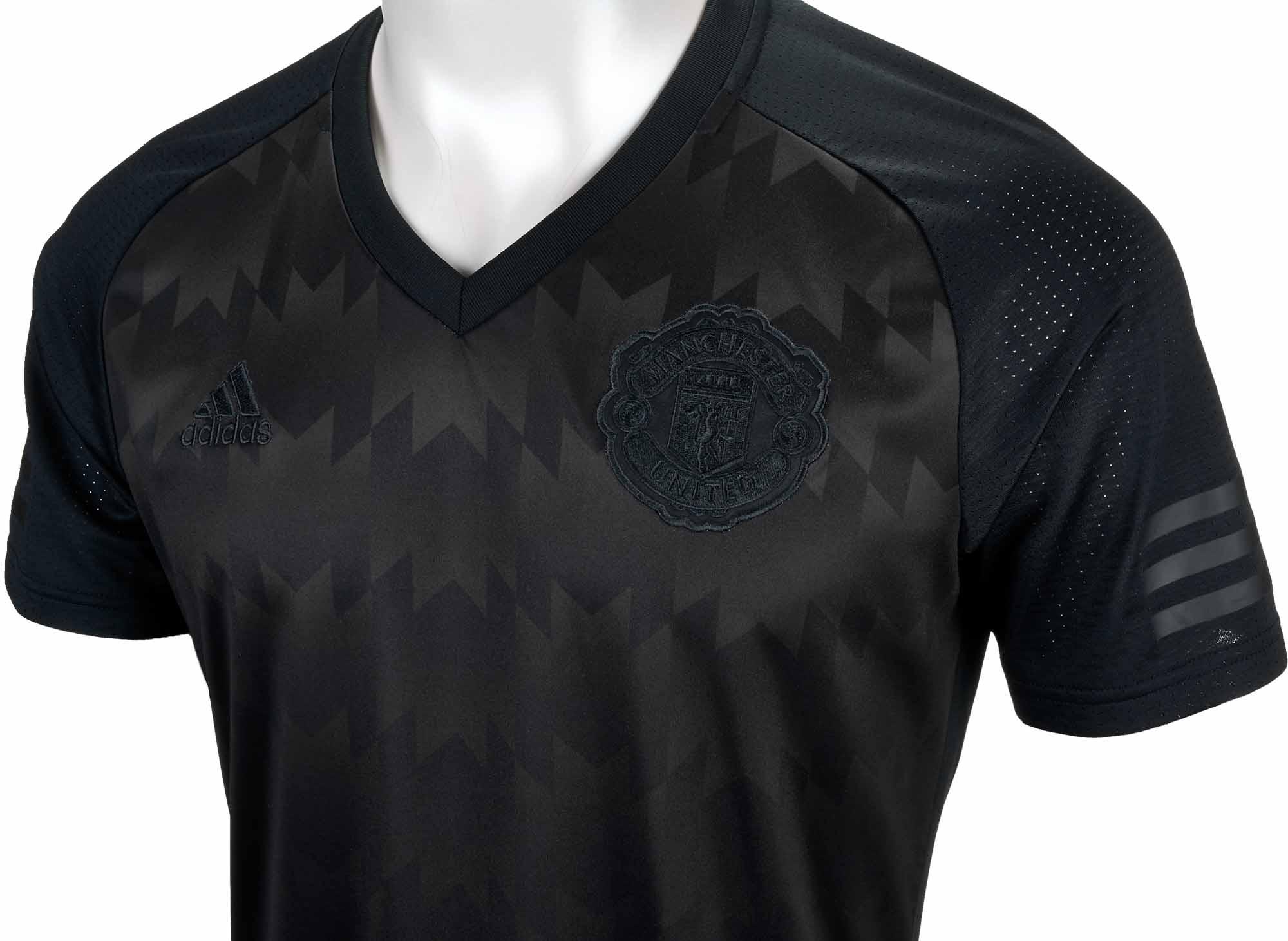 ed51fb5930506 adidas Manchester United SSP Tee - Winter Top - Black - SoccerPro