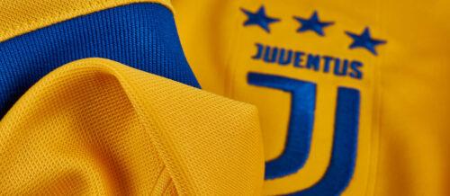 2017/18 adidas Juventus Away Jersey