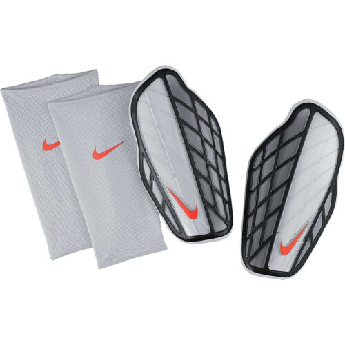 Nike Attack Premium Shin Guard – Silver/Black