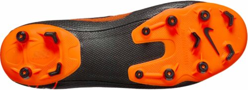 Nike Superfly 6 Academy MG – Black/Total Orange