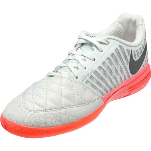 Nike Lunargato II IC – Platinum Tint/Black/Bright Crimson