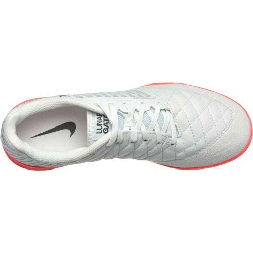Nike Lunargato II IC – Platinum Tint/Black/Bright Crimson