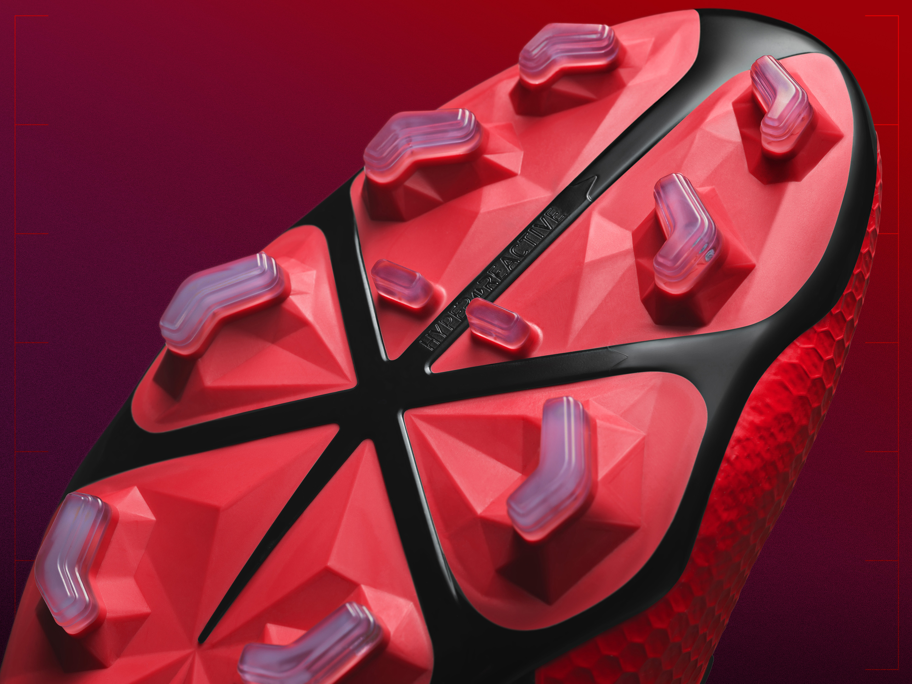 9add85f66 HYPERREACTIVE PLATE  – It s all about enabling a player s natural motion –  lateral cuts