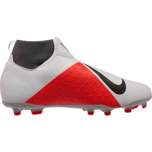 Nike Phantom Vision Academy MG – Youth – Pure Platinum/Black/Light Crimson/Dark Grey