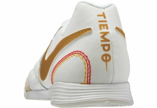 Nike LegendX 7 Academy IC – 10R – White/Metallic Gold