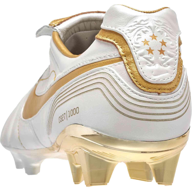 the latest 45d74 9b8c7 Nike Tiempo Legend VII 10R - Ronaldinho edition - SoccerPro.com