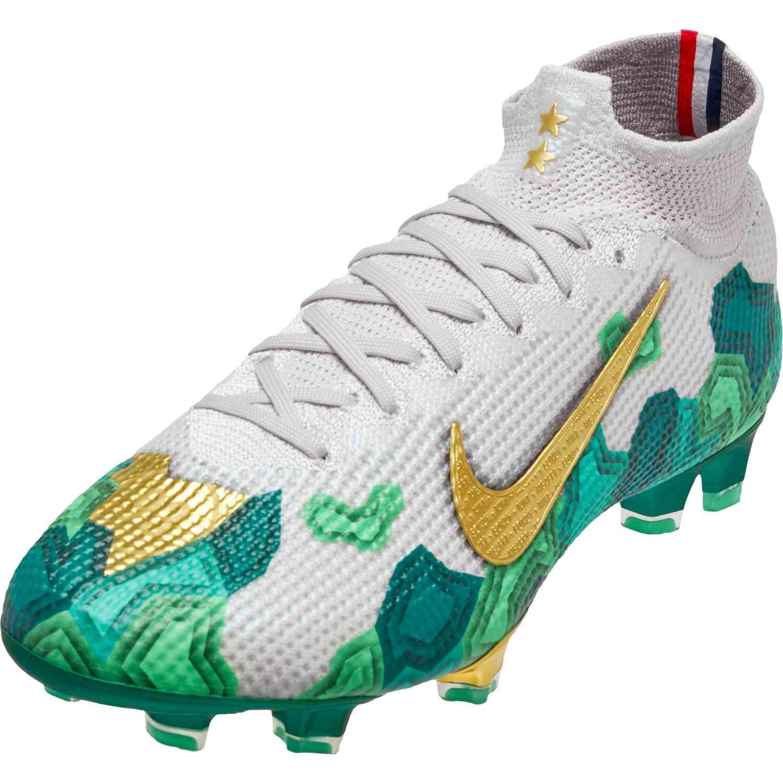 nike soccer shoes near me