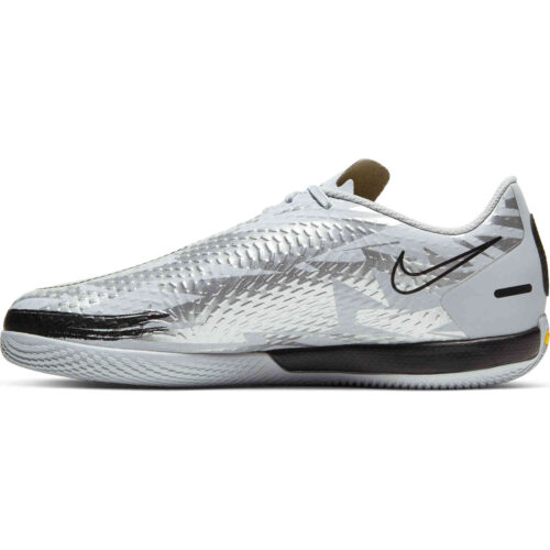 Kids Nike Phantom GT DF Academy IC – Pure Platinum & Metallic Silver with Black
