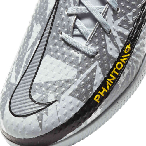 Kids Nike Phantom GT DF Academy IC – Pure Platinum & Metallic Silver with Black