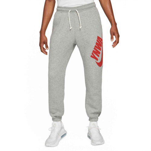 Nike Liverpool SB Heritage Lifestyle Joggers – Dark Steel Grey/Heather/Rush Red