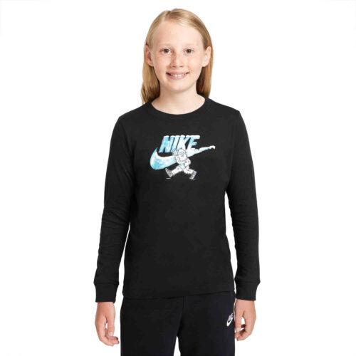 Kids Nike Swoosh-yeti L/S Tee – Black