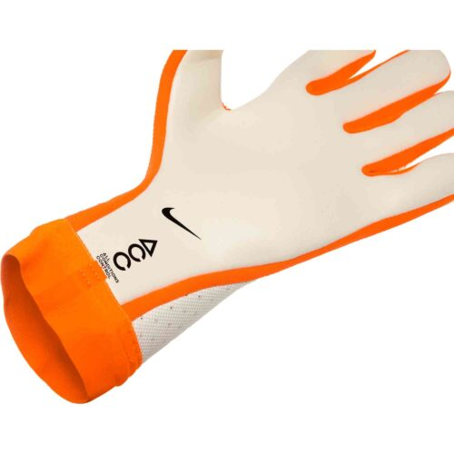 Nike Mercurial Touch Elite Goalkeeper Gloves – Euphoria