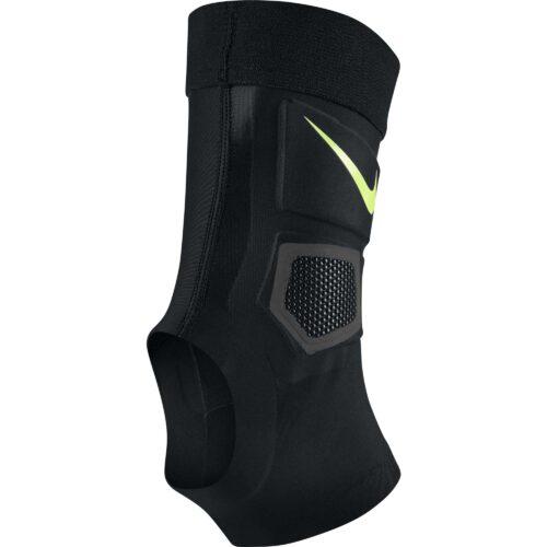 Nike Lightspeed Premier Ankle Guard – Black/Volt